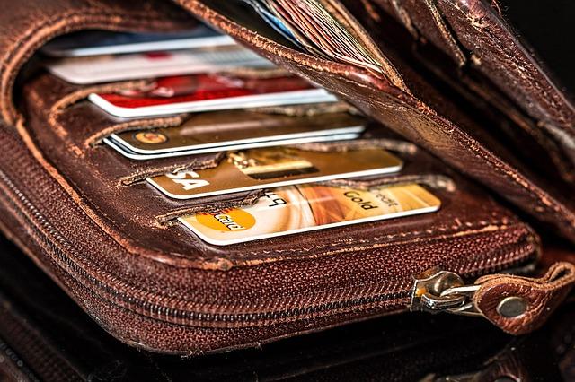 karty v peněžence