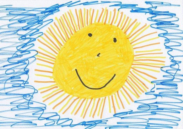 nakreslené žluté sluníčko